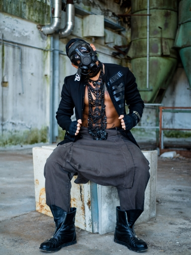 Industrial-fashion-project-for-Tom-Rebl