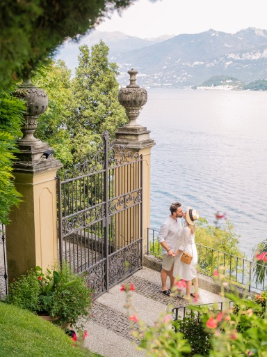 Romantic-couple-photo-shoot-in-Como-Italy-villa-del-balbianello