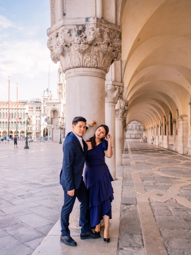 Couple-photo-shoot-in-venice-photographer-piazza-san-marco